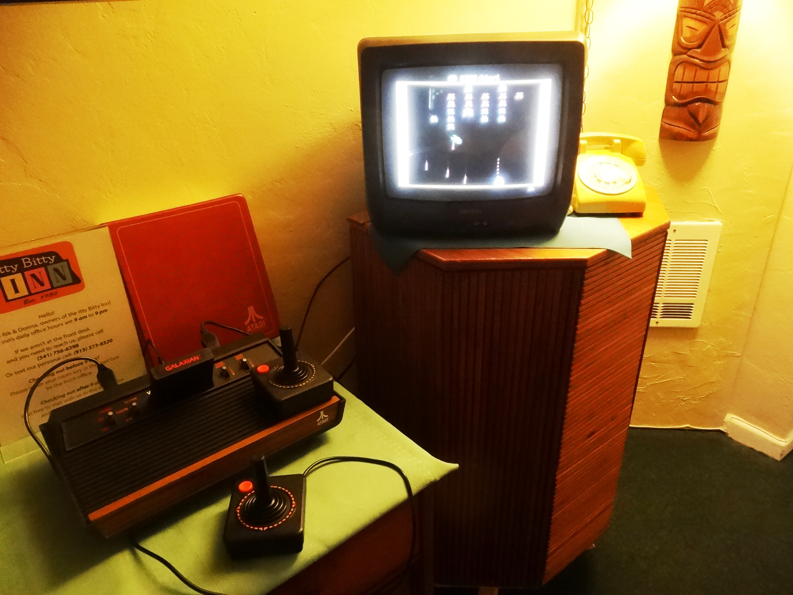 itty bitty inn motel hotel coos bay north bend oregon coast atari vintage